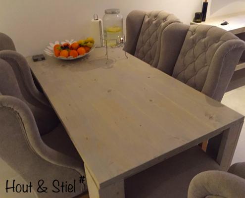 Zijaanzicht basis eettafel nieuw steigerhout behandeld met grey wash