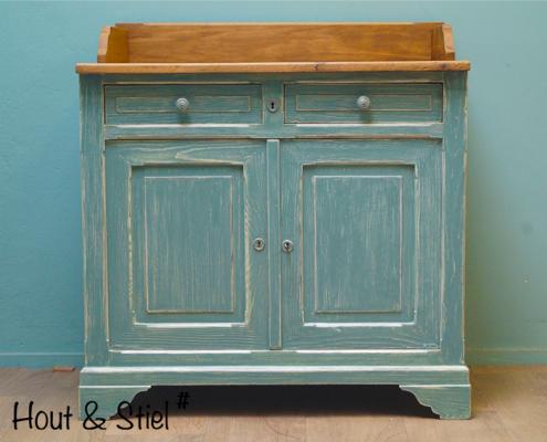 Gerenoveerde vintage kast blauw