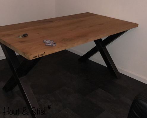 Industriële meubels van eikenhout en staal X-poot