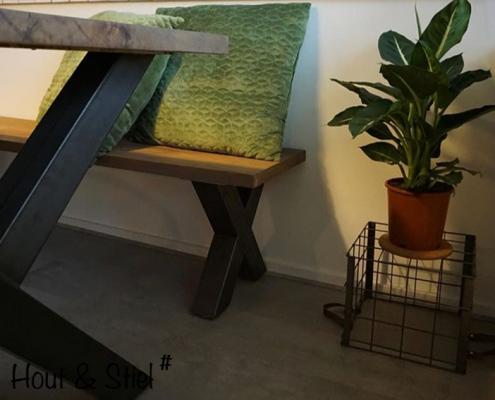 Industriële meubels met X-poot hout en staal